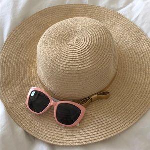 Girls sun hat and glasses set